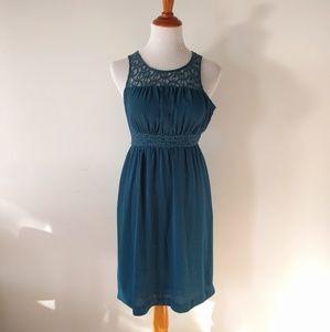 EUC HD in Paris Teal Green Sleeveless Lace Dress